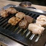 大阪焼肉・ホルモン ふたご - ふたご盛り 1,580円