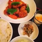 47108881 - 酢豚定食