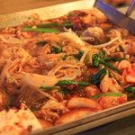ナナイロコリアンプラス ジャパニーズ - ナナイロ特製 テッチャン鍋(煮込んだ後)