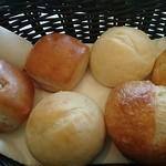 スターゲイト - パンとオリーブオイル
