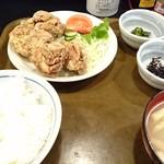 47116806 - 鶏唐揚げ定食(700円)