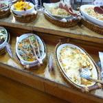 八幡家 - 料理コーナー