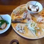 八幡家 - ビュッフェ料理2
