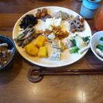 Yawataya - ビュッフェ料理1