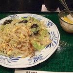 中国料理 萬里 - 海老入りビーフン炒めと杏仁豆腐