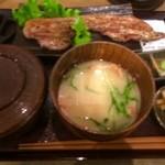 47125797 - モチ豚黒胡椒焼定食(ピンボケ・・・)