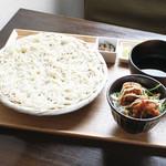ごはんcafe両子の庄  - チキン南蛮丼と秋田稲庭うどん膳