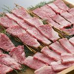 民芸肉料理 はや - 料理写真:絶品の黒毛和牛 焼肉三昧盛