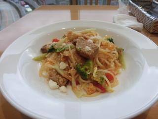 キハチカフェ 福岡三越店 - 柔らかく煮込んだ豚肉トマト風味のスパゲティー