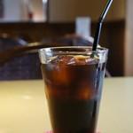 カフェアンドデザートレストラン クルール クレール - 寒い日に、暖かな部屋でいただくアイスコーヒーもいいですね