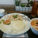 47139369 - SetB   海南鶏飯とミニラクサ  1260円