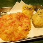 立ちのみ天ぷら Ka・Ma・Sa - 追加の桜海老、牡蠣