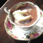 赤い屋根 - ココアのアイスクリームを溶かさずに飲むととても美味しい