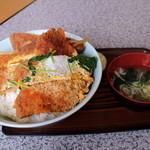 かない亭 - かつ丼(大盛)