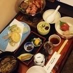 ホテルパーク - 料理写真:お部屋に夕食を持ってきてもらいました。