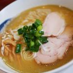 47150481 - まろやか魚介(鶏白湯と魚介のWスープ)