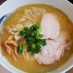 47150483 - まろやか魚介(鶏白湯と魚介のWスープ)