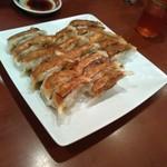 四川園 - 餃子はオススメ