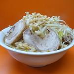 暴豚製麺所 - ラーメン(4玉、ニンニク、野菜ちょいマシ)