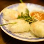 KHANHのベトナムキッチン 銀座999 - 2016.2 ゴイ クオン(2本860円)小海老と豚肉の生春巻き