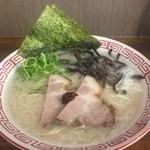 博多豚骨ラーメン 替玉食堂 - ラーメン680円