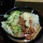 めん屋 いなば - 信州十四割味噌ラーメン750円+キャベツ小 50円