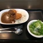 Sukuea - 豚ヒレカツカレー。             税込700円。