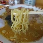 吾作 - 中太の麺