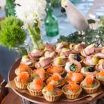 NEO DINING. - 貸切パーティーブッフェ料理です。思わず参加者が写真を撮りたくなるような可愛らしさ。
