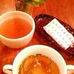 繭蔵 - 冷たい梅醤スープ