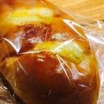 パン屋喫茶 大和 - ディナーロール ベーコンチーズとマヨネーズ
