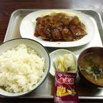 すずみ食堂 - 焼肉定食 850円
