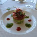 47176869 - 小海老、アボカド、トマトと彩り野菜のサラダ仕立て