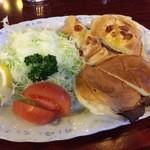 珈琲館 くすの樹 - 【16年1月】お昼を食べそこねたので、ローストビーフサンドイッチなぞ。。。