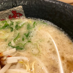 ラーメン龍の家 - スープ