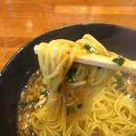 まんしゅう - 麺箸上げ
