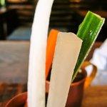 じゃがいも家族 - からいからいポテトカレーにつく「野菜スティック」