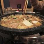 宮崎うまか  - うまか特製 石焼モツ鍋