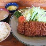 とんかつ大関 - 特ロースかつ定食2,200円、とん汁は美味い