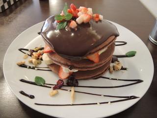 フルーツキッチン ほのか - 苺の生チョコのパンケーキ