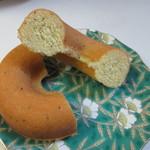 といのドーナツ - アールグレイを練りこんだ生地に天然のベルガモット香料をブレンドしたお茶を加えて香りをバージョンアップしてあります。