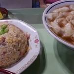 中華料理 タカノ - チャーハンとワンタンメン 2016.2