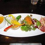 4719198 - にんじんの冷たいスープと前菜2種とサラダ