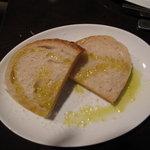 4719200 - 自家製窯焼きパン