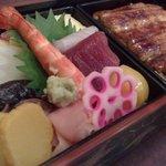 4719388 - 「ちらし寿司」と「うな重」のセットなヤツ(2010年7月撮影)