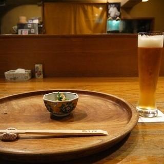 天一坊 - 料理写真:燻した鶏を添えたミブナのお浸し