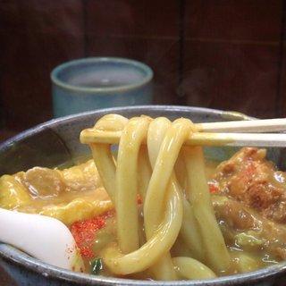 カレーうどん 鯱乃家 - 料理写真:麺は太い