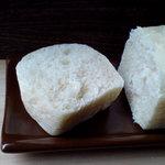 ジャムハウス - 切っても豆腐(パン切り包丁イカレてます)
