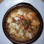 IBIZARTE - 人気のエビのアヒーリョ(オリーブオイルの土鍋煮)