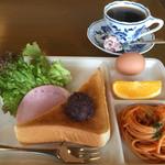 47200907 - ブレンドコーヒー400円と小倉トーストセット